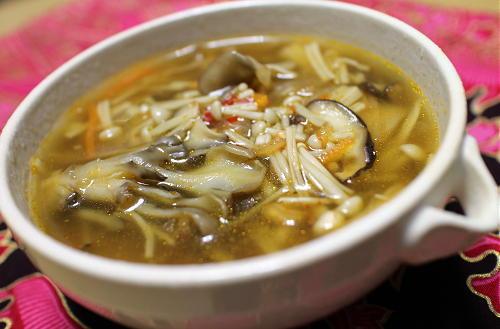 今日のキムチ料理レシピ: きのこキムチスープ