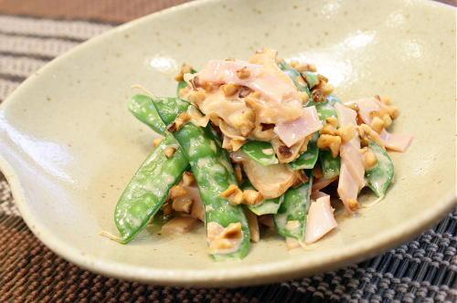 今日のキムチ料理レシピ:絹さやとキムチのアーモンド和え