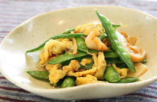今日のキムチ料理レシピ:さやえんどうとキムチのチーズ卵とじ