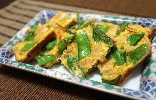 今日のキムチレシピ:絹さやとキムチの卵焼き