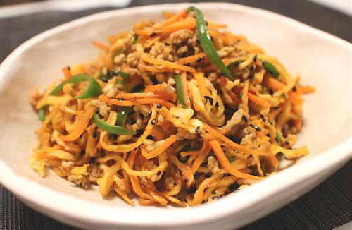 今日のキムチ料理レシピ:切り干し大根のピリ辛そぼろ炒め