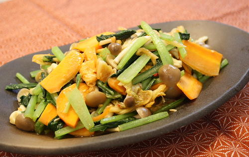 今日のキムチ料理レシピ:小松菜のキムチ炒め