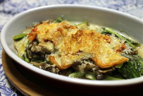 今日のキムチレシピ:小松菜とまいたけのキムチチーズ焼き