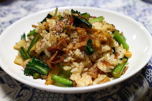 今日のキムチレシピ:小松菜とキムチの混ぜご飯