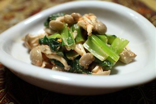 小松菜としめじのピリ辛マヨ和えレシピ