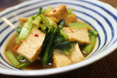 今日のキムチ料理レシピ:小松菜と厚揚げのピリ辛煮