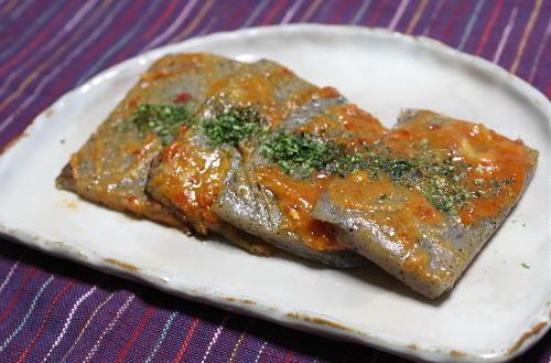 今日のキムチ料理レシピ:こんにゃくのピリ辛キムチ田楽