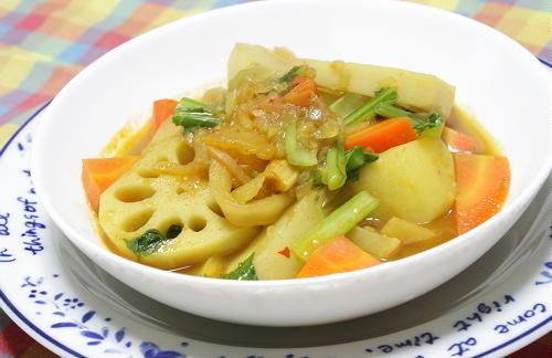 今日のキムチ料理レシピ:根菜とキムチのカレースープ