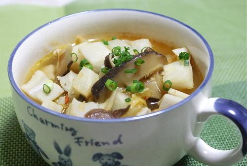 今日のキムチ料理レシピ:根菜とキムチのスープ