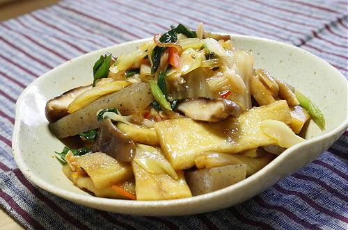今日のキムチ料理レシピ:高野豆腐とキムチの甘辛煮