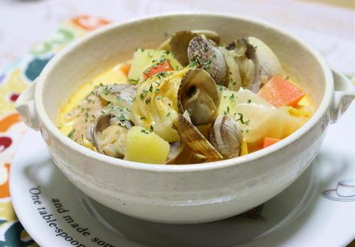 今日のキムチ料理レシピ:あさりとキムチのチャウダー