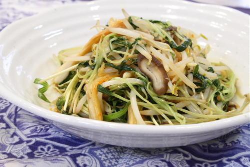 今日のキムチ料理レシピ:空芯菜とキムチのオイスターソース炒め