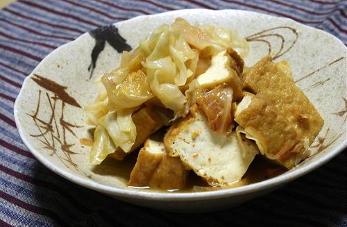 今日のキムチ料理レシピ:キャベツと厚揚げのキムチ煮