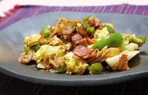 今日のキムチ料理レシピ:キャベツとキムチの粉チーズ炒め