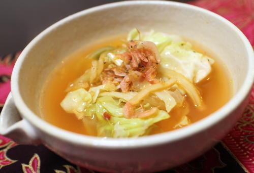 今日のキムチ料理レシピ:キャベツのキムチスープ