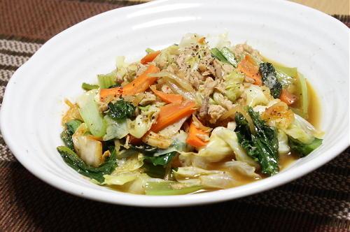 今日のキムチ料理レシピ:キャベツとツナのキムチ煮