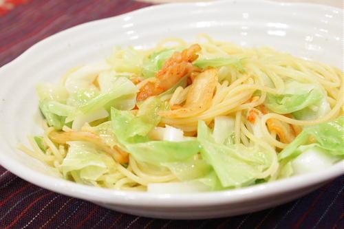 今日のキムチ料理レシピ:キャベツとキムチのパスタ