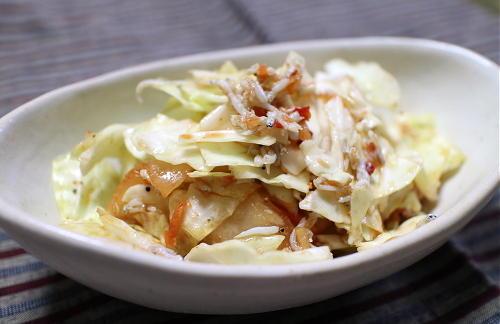 今日のキムチレシピ:キャベツとシラスのキムチサラダ