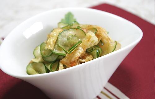 今日のキムチ料理レシピ:キュウリとキムチのさっぱり和え