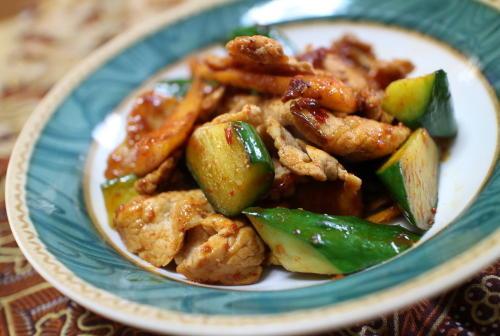 今日のキムチレシピ:豚肉ときゅうりの大根キムチ炒め