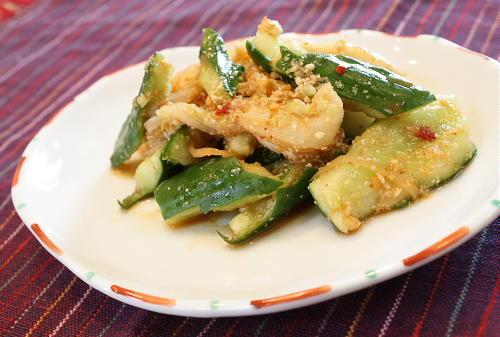 今日のキムチ料理レシピ:キュウリとキムチのごま酢和え