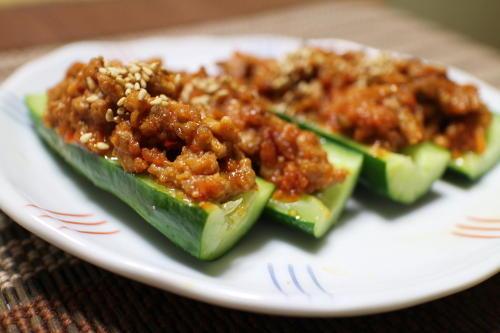 今日のキムチ料理レシピ:胡瓜のピリ辛肉みそ