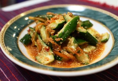 今日のキムチ料理レシピ:きゅうりのピリ辛胡麻和え