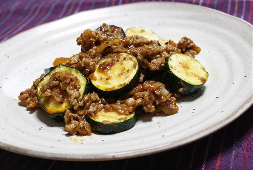 今日のキムチ料理レシピ:ズッキーニと茄子のキムチひき肉炒め