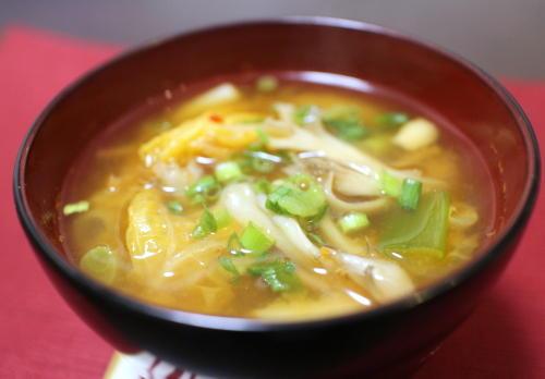 今日のキムチ料理レシピ:まいたけとねぎのキムチ味噌汁