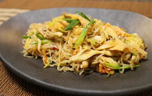 今日のキムチ料理レシピ:舞茸とキムチのしらたき