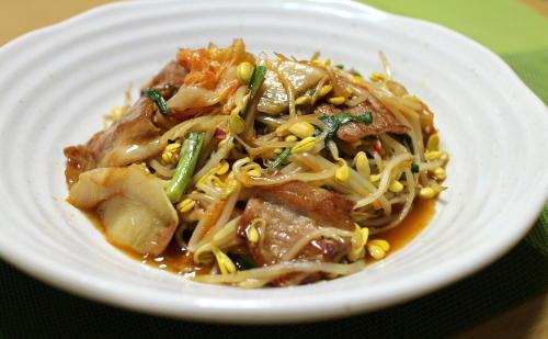 今日のキムチ料理レシピ:豆もやしのキムチ炒め
