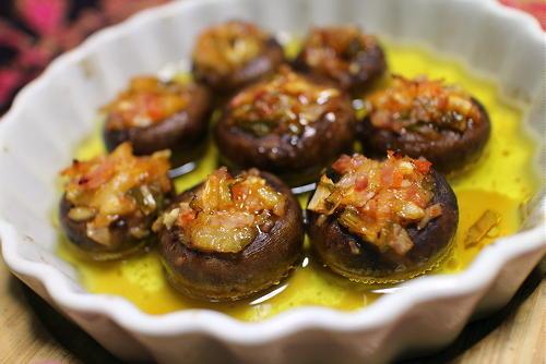今日のキムチ料理レシピ:マッシュルームのキムチ入りアヒージョ