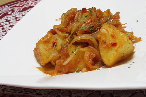 今日のキムチ料理レシピ:ピリ辛味噌バターポテト