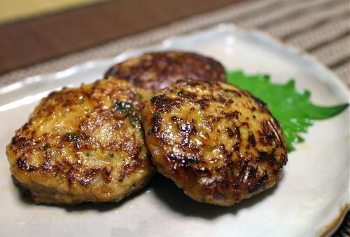 今日のキムチ料理レシピ:味噌キムチハンバーグ