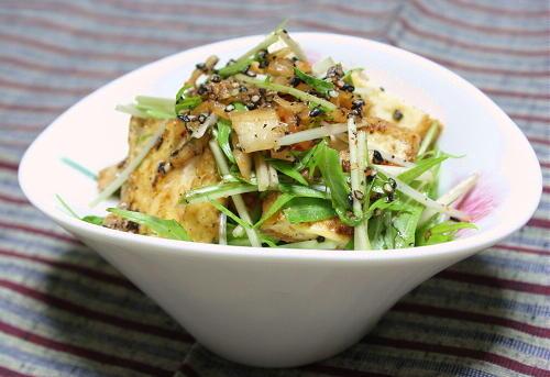 今日のキムチ料理レシピ:厚揚げとキムチのごま和え