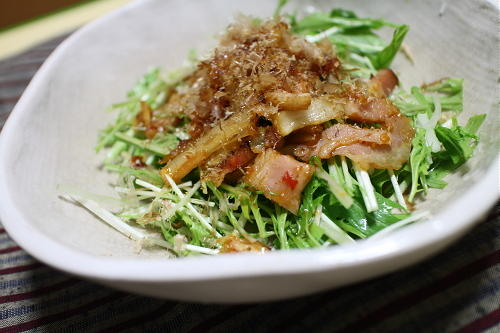 今日のキムチ料理レシピ:水菜のベーコンキムチドレッシング
