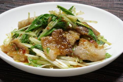 今日のキムチ料理レシピ:豚肉と水菜のピリ辛味噌炒め
