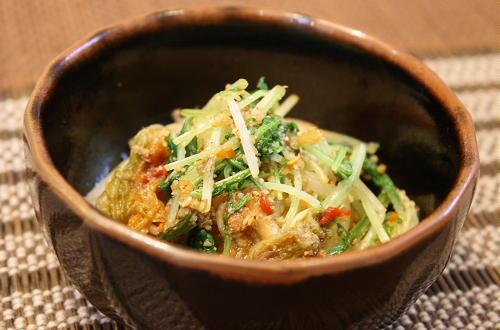 今日のキムチ料理レシピ:水菜とキムチの胡麻和え