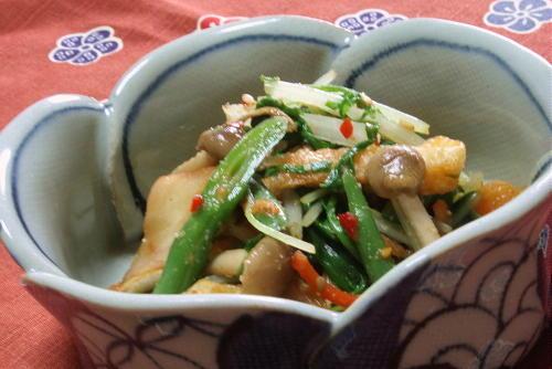 今日のキムチ料理レシピ:水菜とキムチのごまあえ