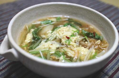 今日のキムチ料理レシピ:水菜とキムチのかきたま汁