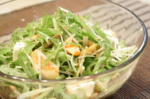 今日のキムチ料理レシピ:水菜とシーチキンと豆腐のたっぷりキムチサラダ