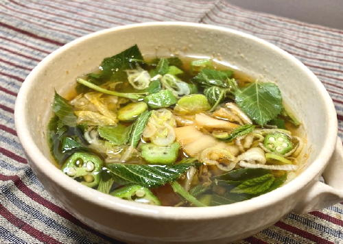 今日のキムチ料理レシピ:モロヘイヤとオクラのキムチスープ