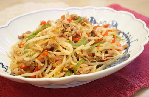 今日のキムチ料理レシピ:もやしの甘辛キムチ炒め