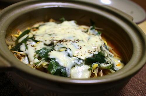 今日のキムチレシピ:もやしとキムチのチーズ蒸し