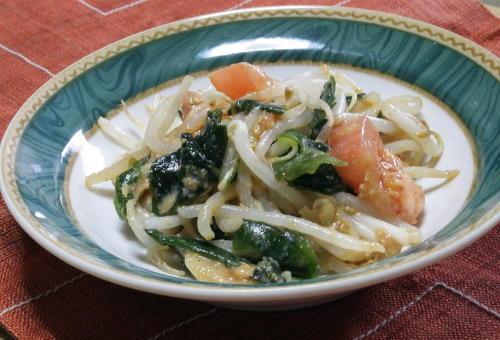今日のキムチ料理レシピ:もやしとキムチのごまみそ和え