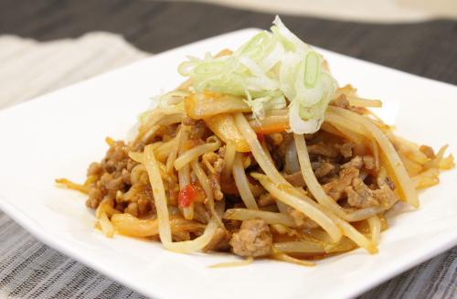 今日のキムチ料理レシピ:モヤシとキムチのひき肉あん