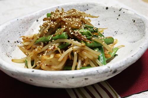 今日のキムチ料理レシピ:もやしといんげんのキムチ味噌炒め