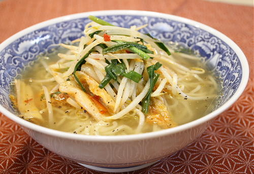 今日のキムチ料理レシピ:もやしキムチラーメン
