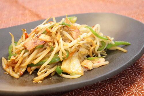 今日のキムチ料理レシピ:もやしとキムチの味噌いため