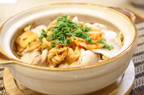 今日のキムチ料理レシピ:もやしキムチ鍋